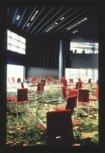 Parlement Européen 11 chaises et tables