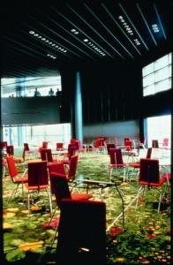 Parlement Européen 12 chaises et tables